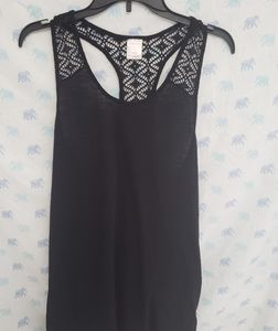 Xhiliration Sleeveless Lace Top